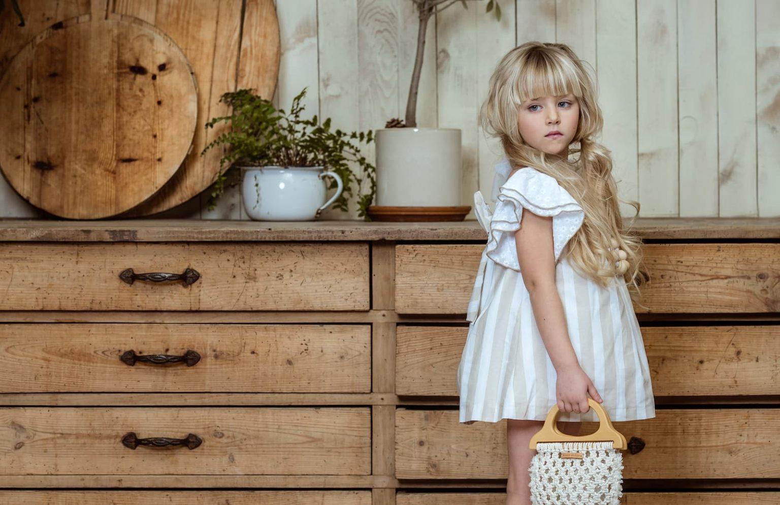 ¿Buscando almacenes de ropa infantil al por mayor?