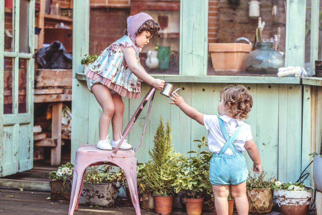 Cómo vestir a nuestros hijos para eventos esta primavera